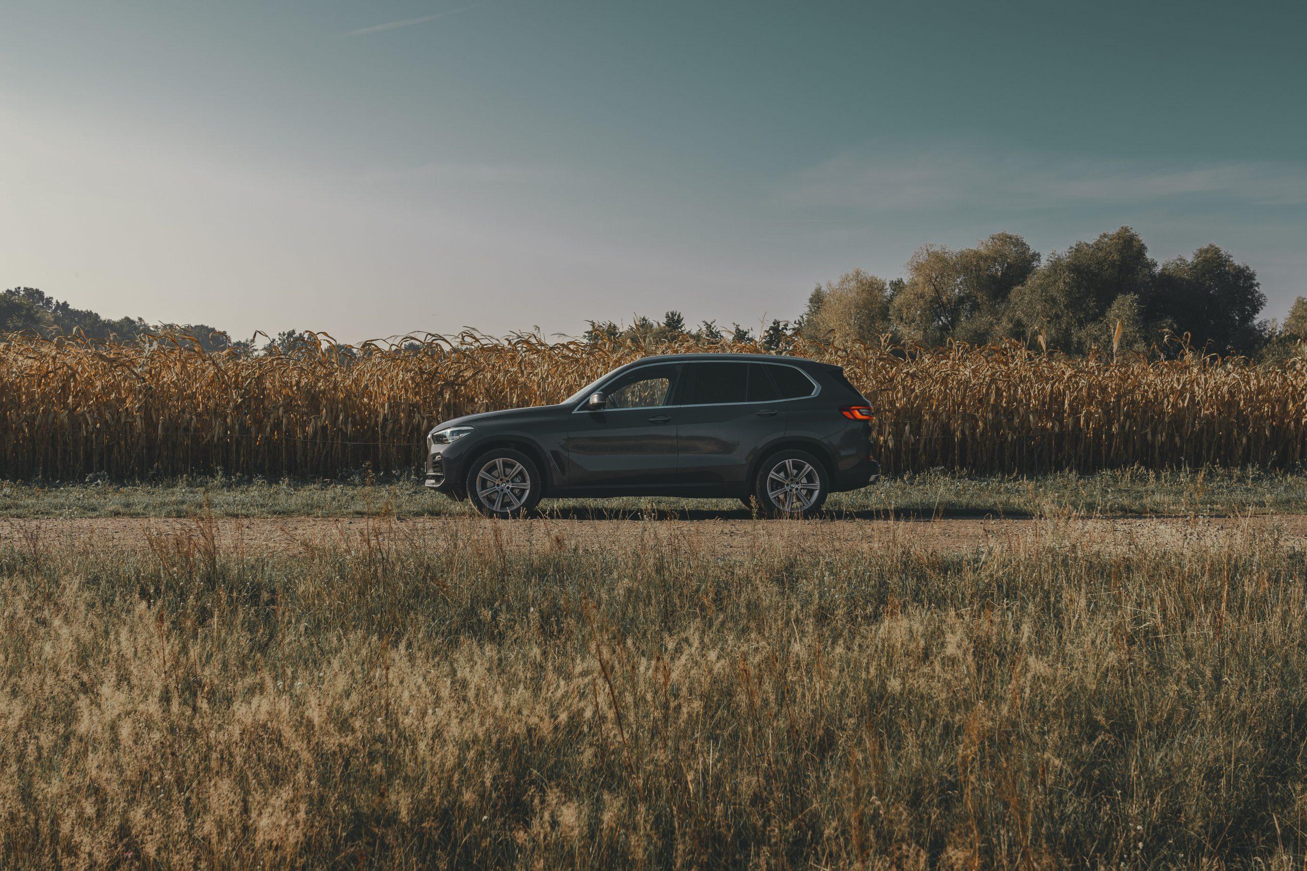 MietMe-Urlaubsauto-X5-Herbst-Crop-1